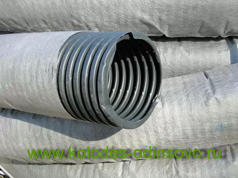 Труба с фильтром из геоткани для дренажной системы